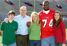 "history vs hollywood the blind side michael oher the tuohy  essay on the blind side movie the essay of the blind side the relationships between characters in the film ""the blind side"" directed by john lee hancock"