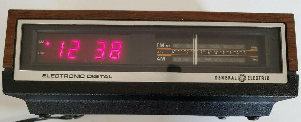 1978 General Electric Ge Am Fm Digital Alarm Clock Radio 7 4640a Ge In 2020 Radio Alarm Clock Digital Alarm Clock Clock