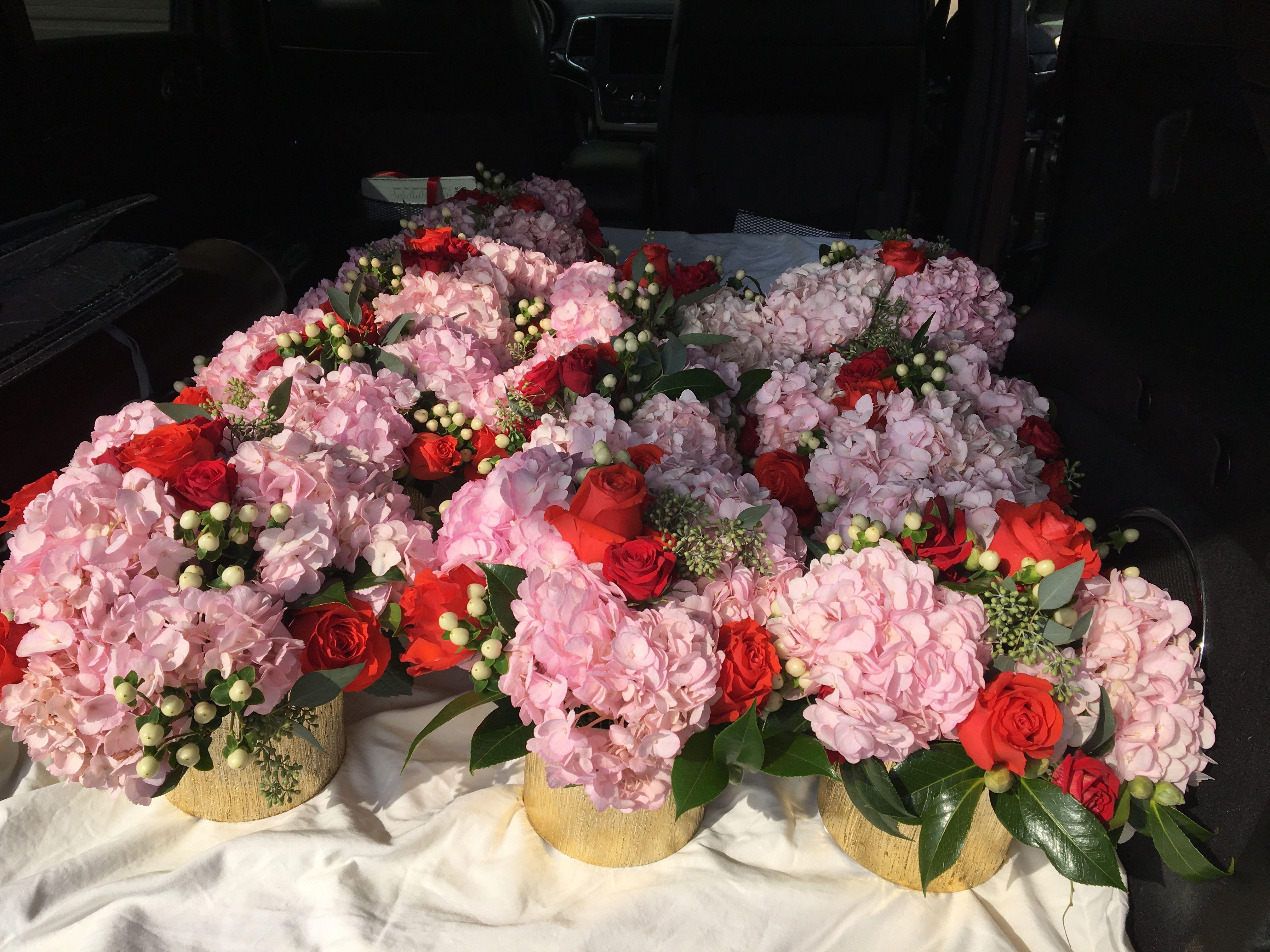 50th Birthday Party Flower Arrangement Centerpieces Pink And Red Flower Arrangements Center Pieces Flower Arrangements Floral Design