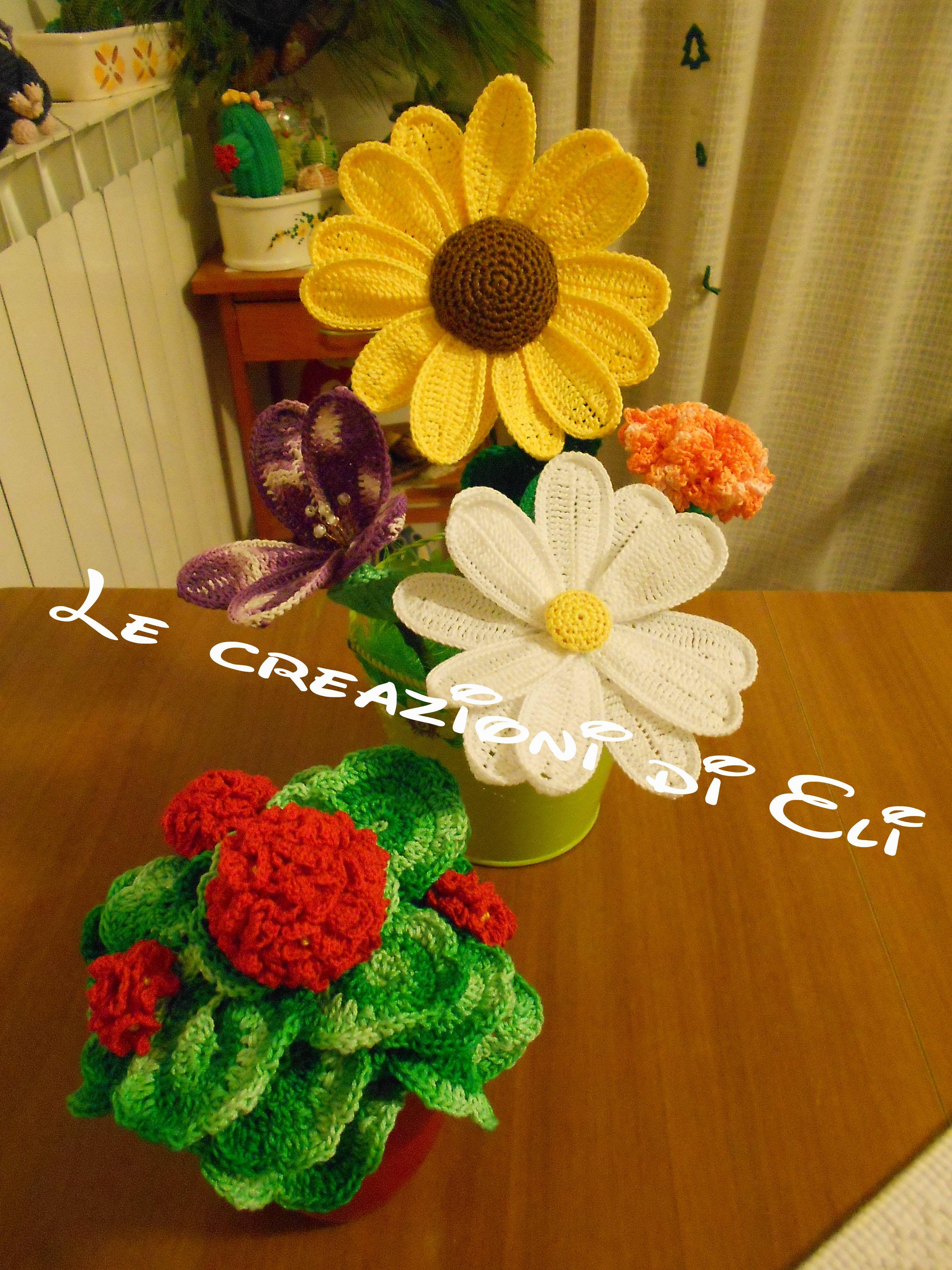 Composizione di fiori e geranio