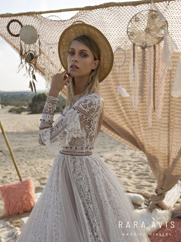 Boho Wedding Dress Alyfi With Long Train Wedding Dress With Long Train Long Train Wedding Dress Bohemian Style Wedding Dresses Wedding Dress Train