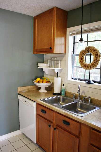 I Love Blue Wall Paint Against Oak Cabinets If You Re Stuck With Oak Cabinets That I With Images Oak Kitchen Cabinets Wall Color Kitchen Wall Colors Blue Kitchen Walls