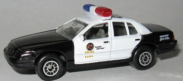 Diecast 1 64 Ford Crown Victoria Lapd Police Interceptor By Maisto Excluslive On Walgreens Buy It Now On Ebay Ford Police Diecast Delorean