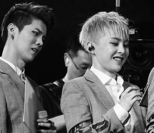 | Luhan & Xiumin ♥ Black & White ♥ #EXO |