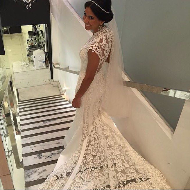 Mais uma da nossa noiva linda @fernandaff  porque não cansamos de olhar!!!  #vivazbrides #quemamavivaz #specialmoments #handmade #luxo by vivazbrasil