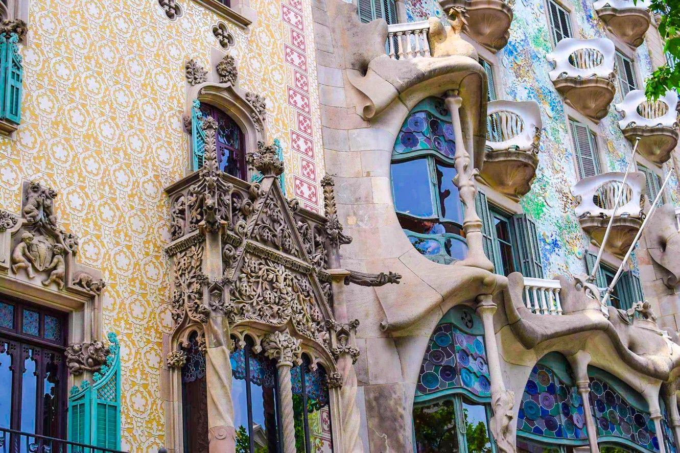 el nacional wanderbeak gourmet gaudi food and architecture tour in