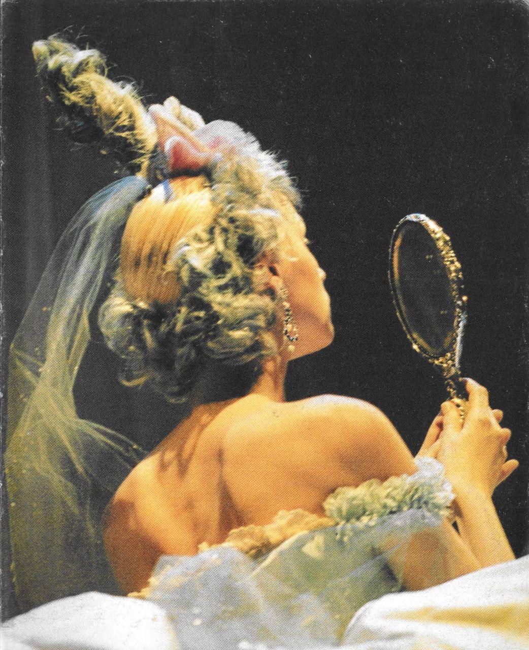 johngallianotheking:  Givenchy Haute Couture by John Galliano.