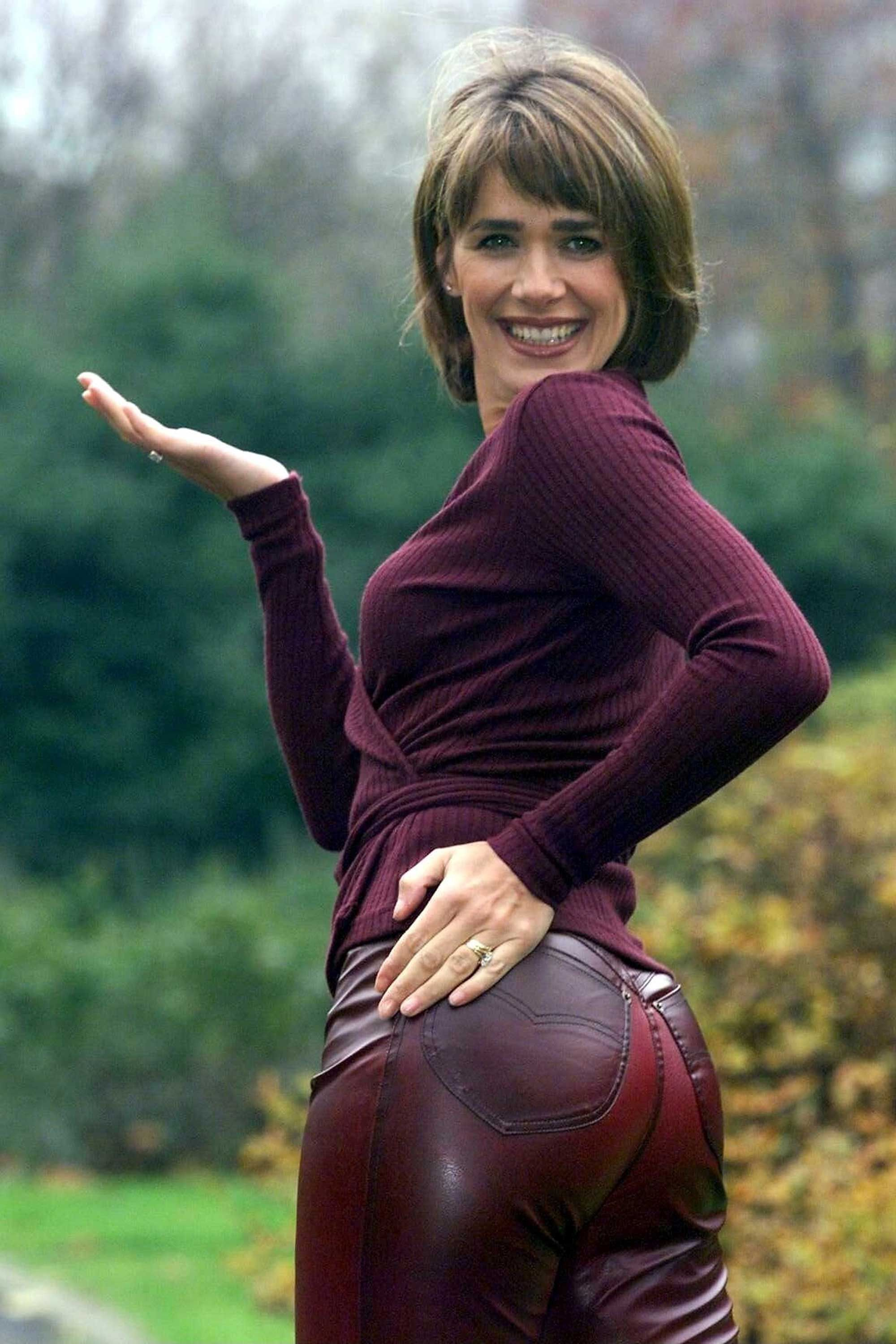 Carol Smillie Rear of the year 1998 | Carol Smillle | Sexy ...