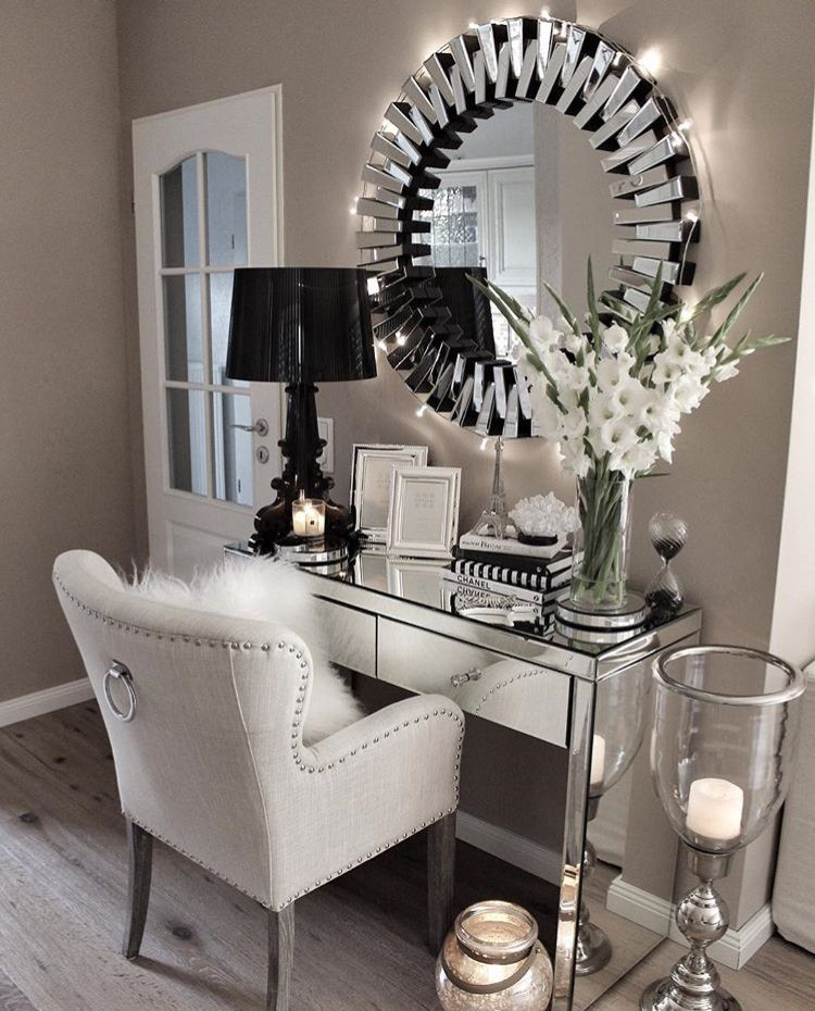 Glam Desk Or Vanity In 2020 House Interior Home Home Decor