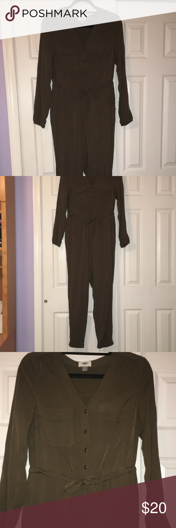 Old Navy Olive Jumpsuit This jumpsuit has never been worn, and is perfect for early fall! It can be dressed up with wedges or worn casually and adding fun jewelry would make this a really cute outfit! I will iron this before shipping! Old Navy Pants Jumpsuits & Rompers