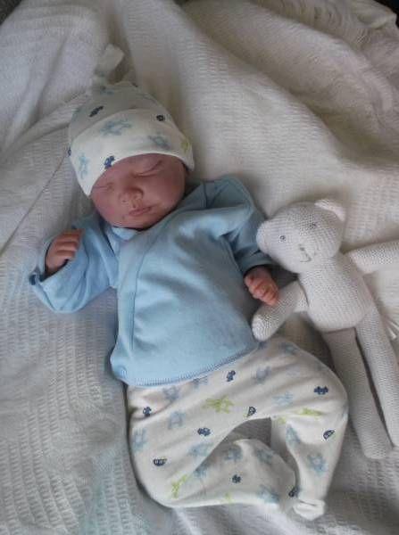 569b17e5b31a4 jumping bunnies 3-5lb premature baby clothing | Kids | Baby ...