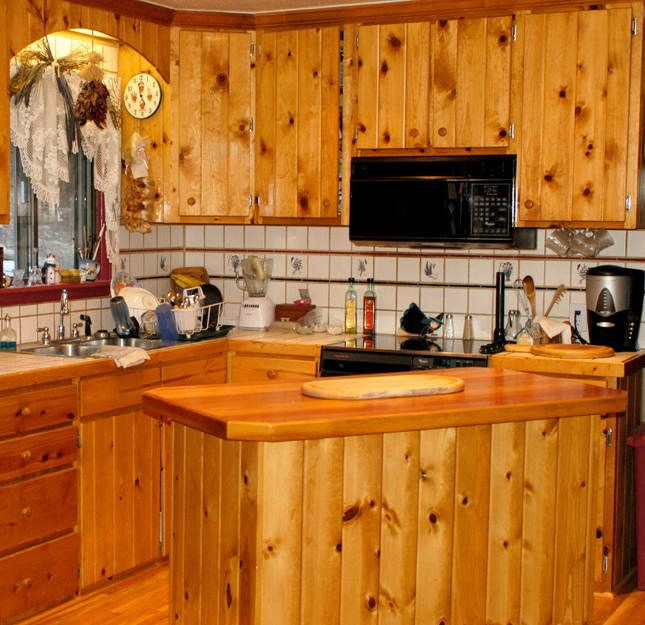 Knotty pine cabinets we are doing in our cabin cabin for Pine kitchen furniture