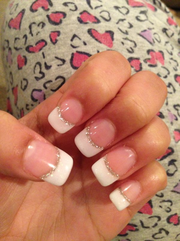 Line Of Sparkle Between The Top And Bottom How To Add A Little Color And Sparkle To Your French Manicure Exquisite Girl French Tip Nails Nails Manicure