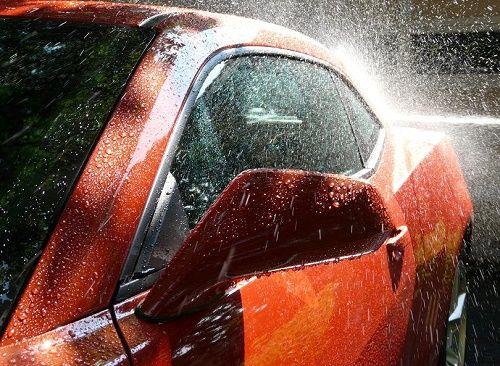 Những điều cần lưu ý khi tự rửa xe hơi tại nhà