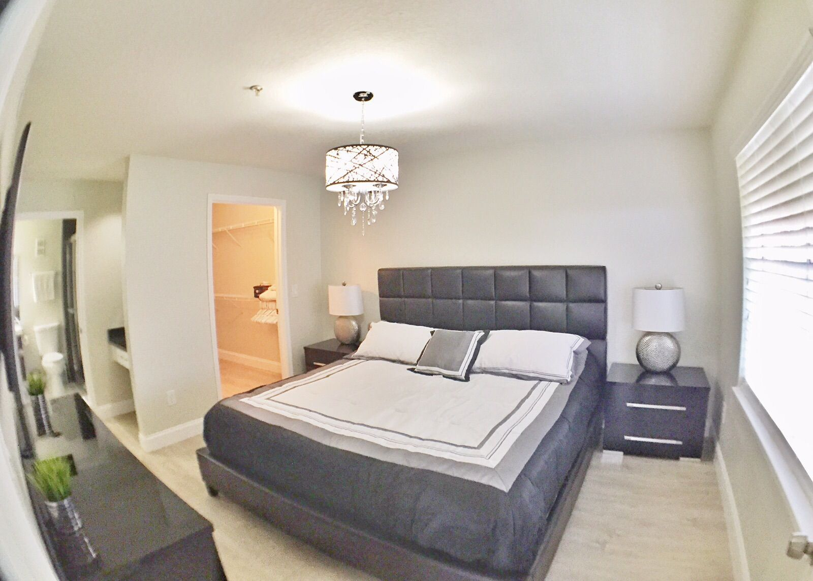 1 Bedroom Fully Furnished Near Universal Studios Beautiful Condo Located In Metrowest S Golf Course Enjoy Multiple Furnished Apartment Furnishings Home Decor