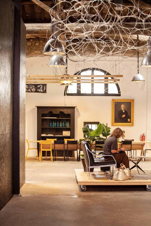 Le Coworking A Montpellier Pour Ne Plus Travailler En Solo Grizette Montpellier A Louer Travailleuse