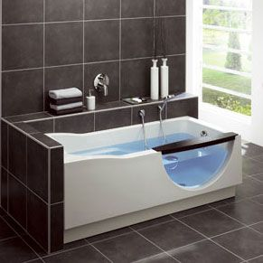 Handige baden van Duscholux - Badkamer Magazine
