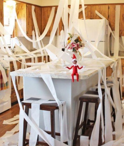 Lutin de Noël: 25 idées de tours pour votre lutin coquin #lutincoquin lutin_toilette #lutindenoel