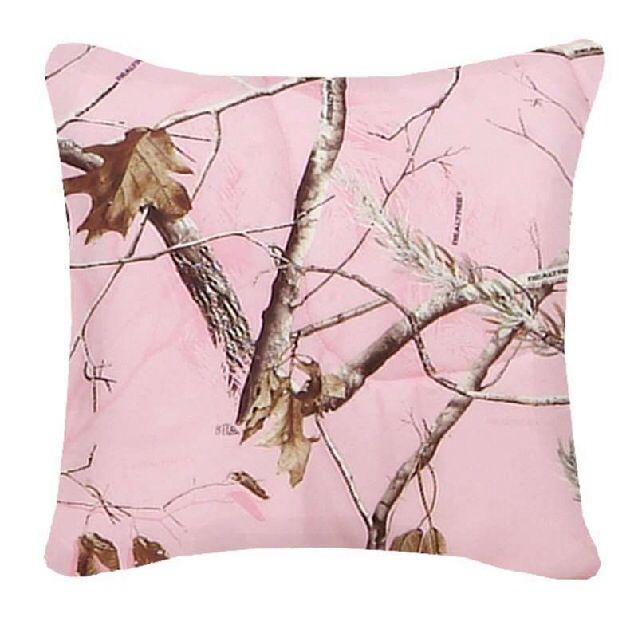 Camo pink pillow WANT