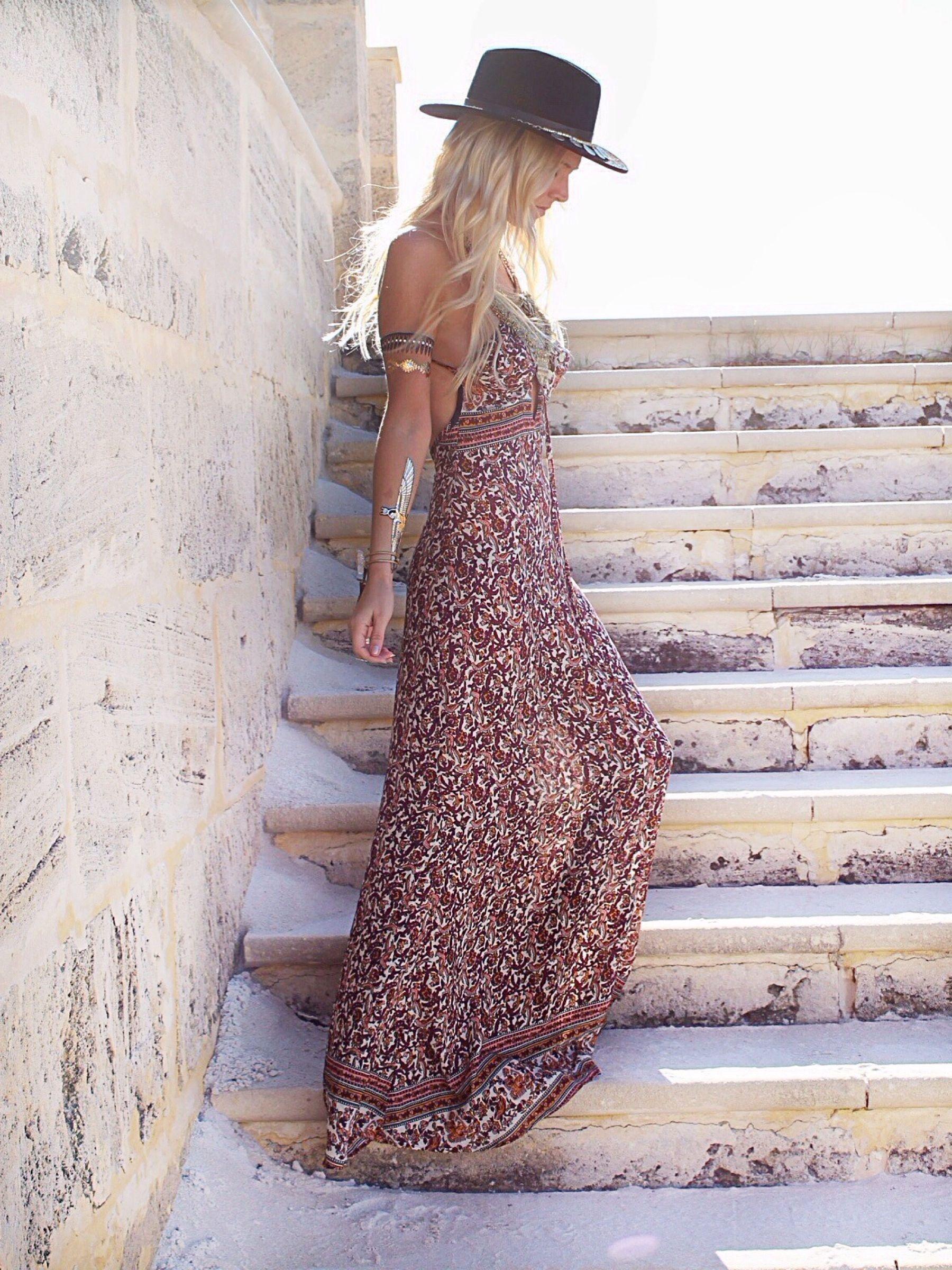 bohemian boho style hippy hippie chic bohème vibe gypsy fashion indie folk dress.