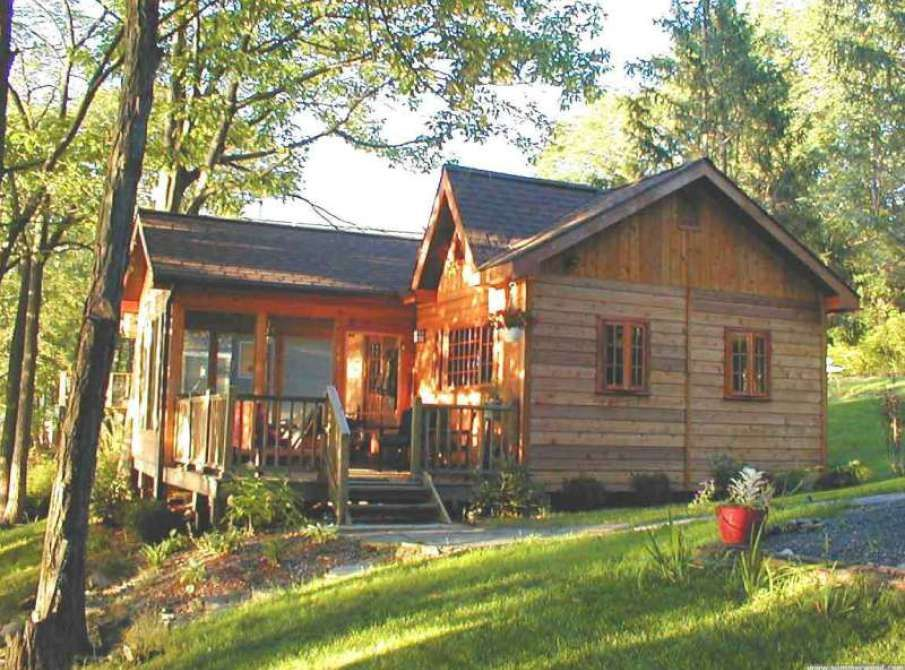 905x670 (905×670) Small cottage homes, Cabins and