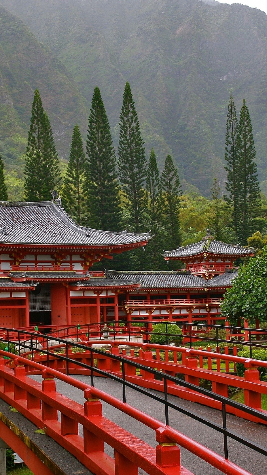 ByodoinTemple replica Valley of the Temples Oahu Hawaii japan