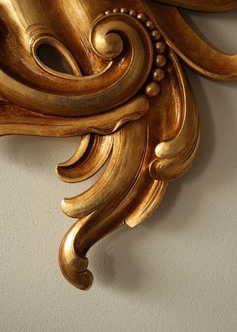 Wood gold curls