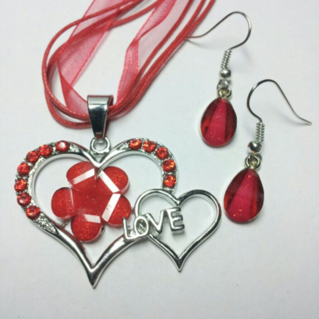 Red heart love necklace and earring set products