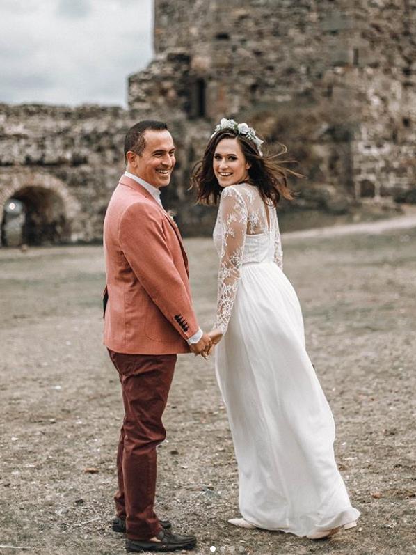 Besondere Hochzeitsmoderation Fur Ihre Russisch Turkische Hochzeit Turkische Hochzeit Hochzeitskleid Spitze Russische Hochzeit