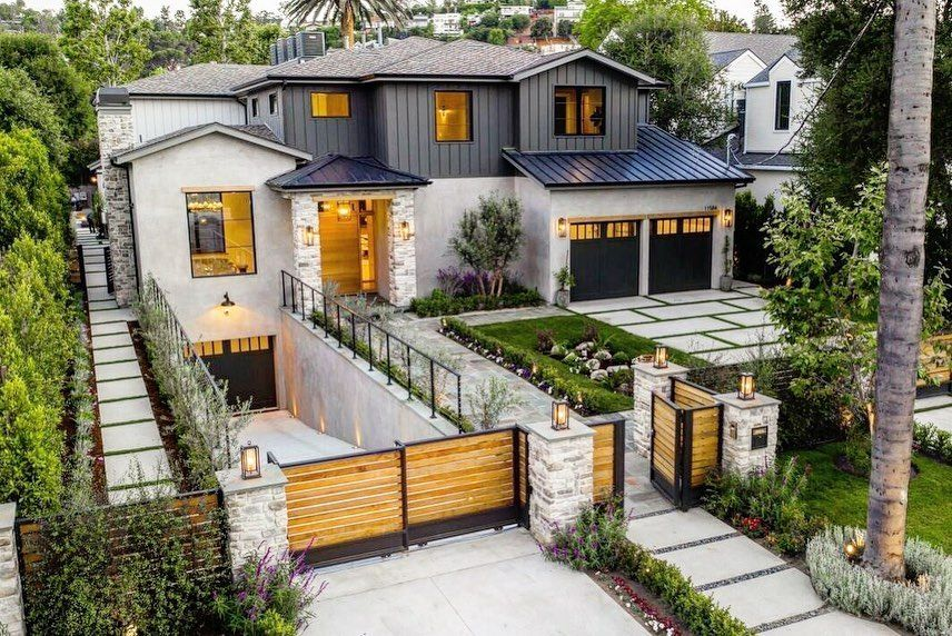 Inex Homes Inc On Instagram Stunning Modern Farmhouse Inspired Home Design With Luxury And Function In Mind Listed By House Design Studio City City House