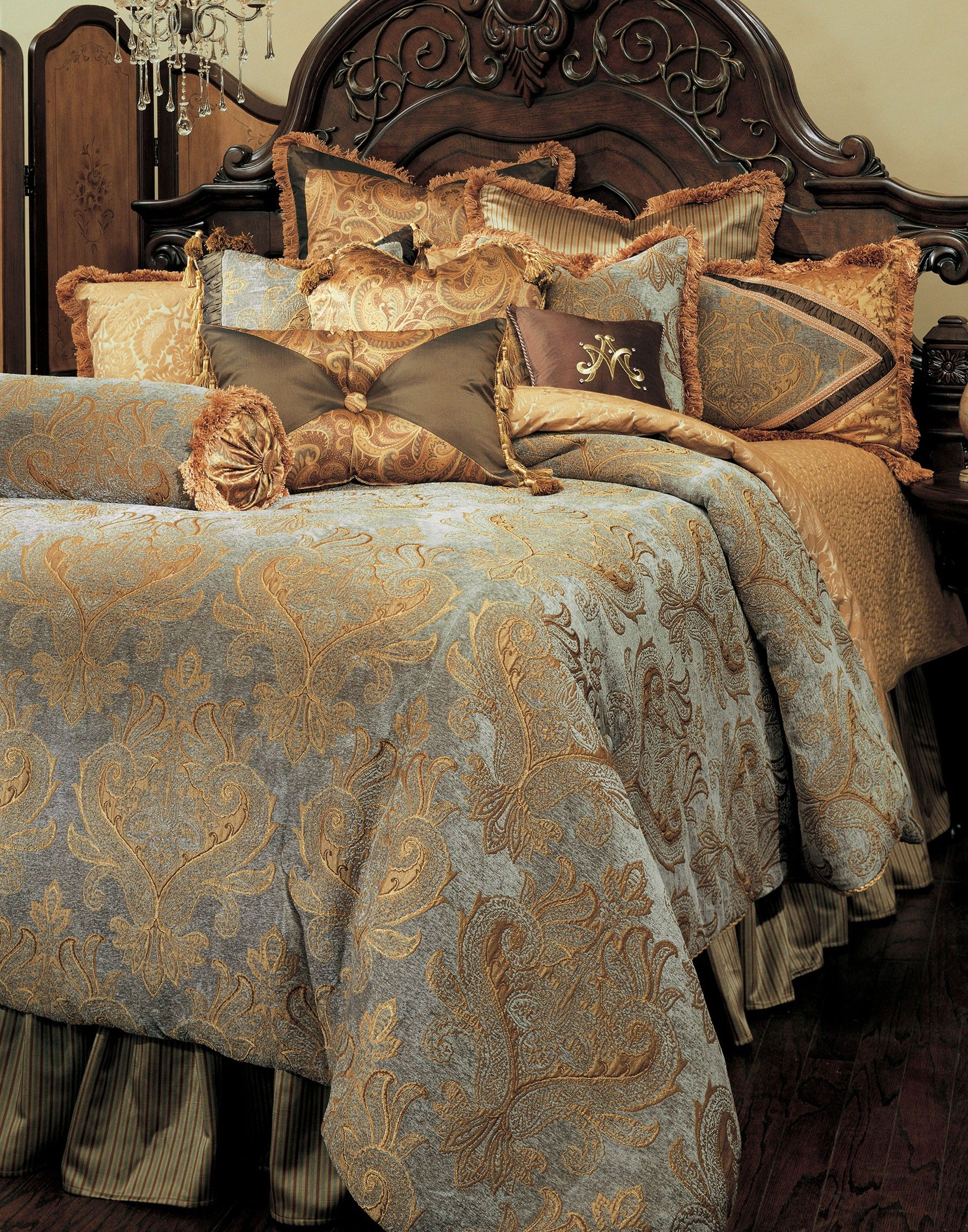 Elizabeth Comforter And Pillow Set Combine Beautiful Slate Blue