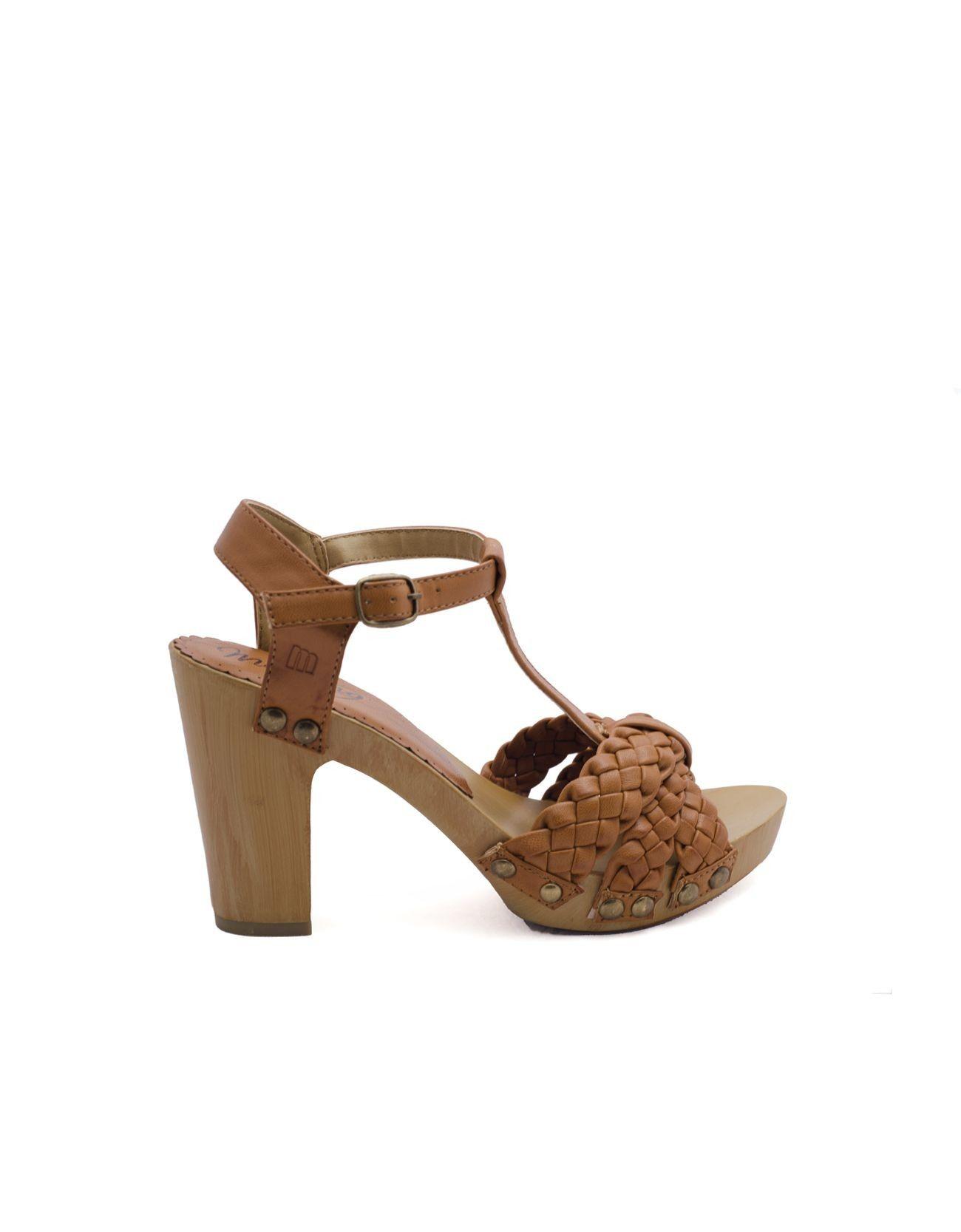 Sandalia trenzada con tac n y suela de madera sandalia - Tocones de madera ...