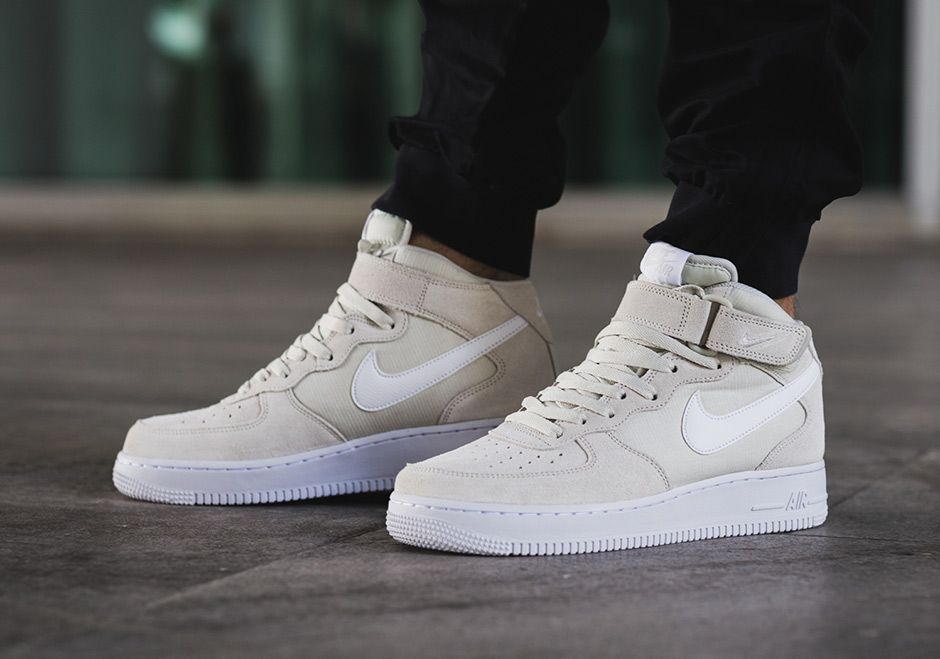 Men's Nike Air Force 1 Low Light Bone White Fish Skin Sneakers : E72j7769