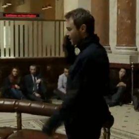 EPISODIO 107  En este episodio se desarrolla el caso del asalto a un banco en el que se ve casualmente involucrado el detective Hickman.