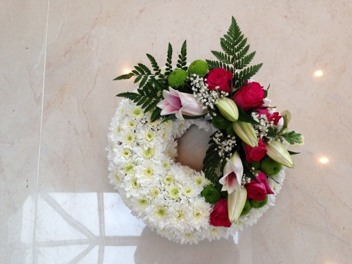 Lily Wreath Funeral Flowers Pinterest Funeral Flowers