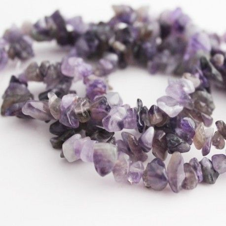 An 84cm strand of beautiful amethyst gemstone chip beads