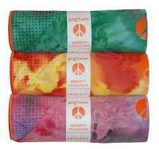 A Social Geek: Hot Yoga! What To Pack? Don't forget your mat towel! #yoga