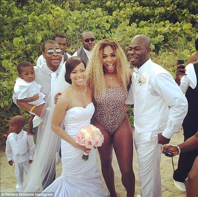 Serena williams crashes wedding on the beach in leopard print serena williams crashes wedding on the beach in leopard print leotard solutioingenieria Image collections