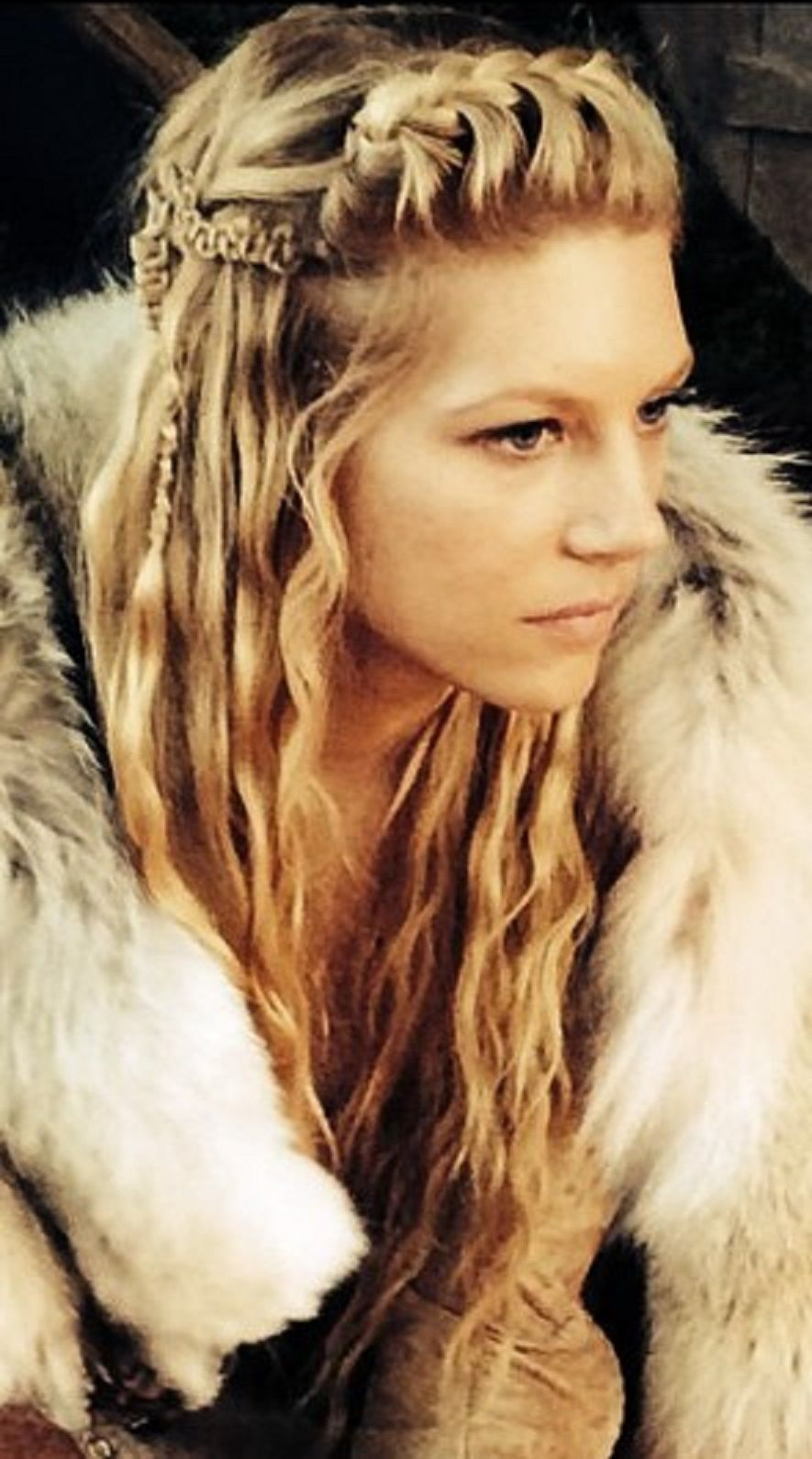 Lagertha S Hair Never Disappoints Com Imagens Penteados