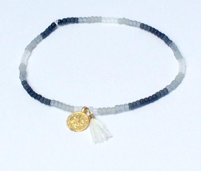 Armbänder - feines Armband mit Farbverlauf und 2 Anhängern - ein Designerstück von von-Ela bei DaWanda