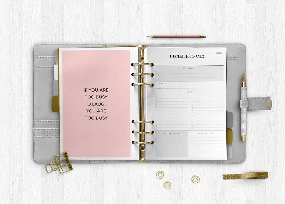 Memo /& Pen Family Organiser 2019 A4  Size Spiral Planner Calendar Month to View