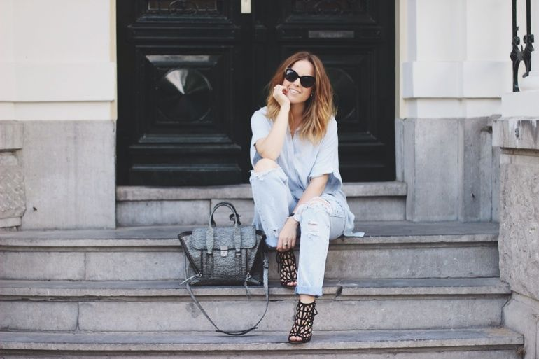 THE PERFECT RIPPED JEANS (SORRY MOM) - BillieRose | Creators of Desire - Fashion trends and style inspiration by leading fashion bloggers