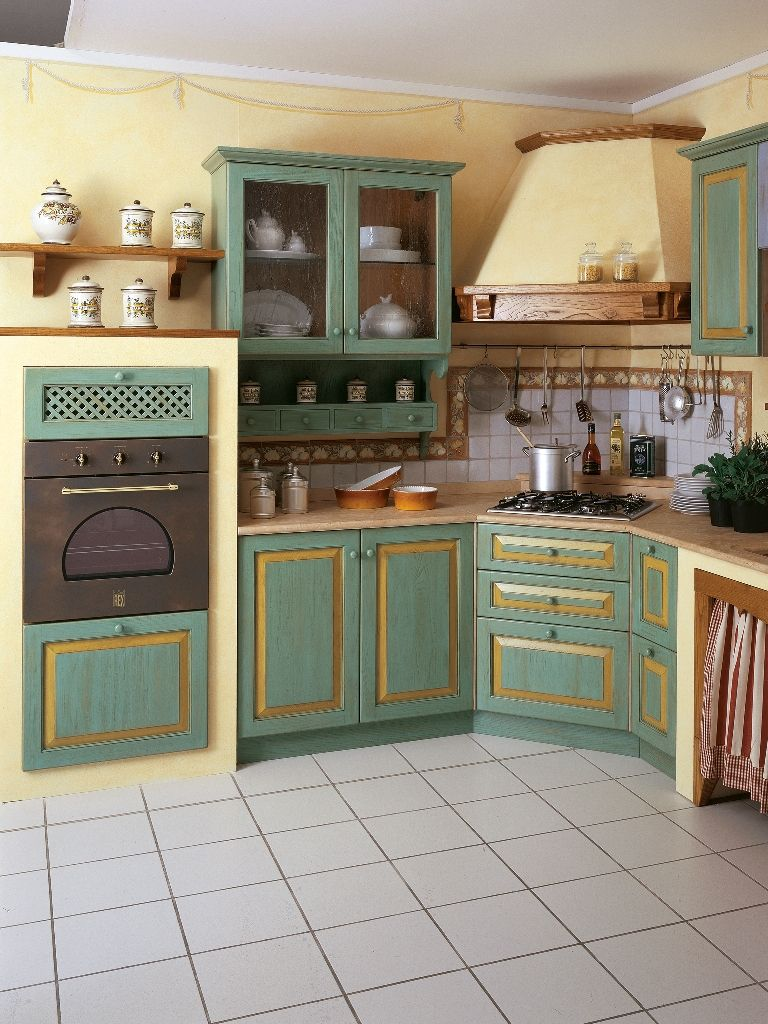 ante di legno castagno decorate con filetto col.giallo ocra per la ...