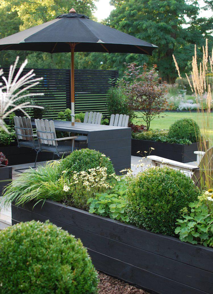 schwarzer sichtschutz mit schwarzem mobiliar perfekt kombiniert - Sichtschutzzaun Fur Ausenbereich Haus Dekoration Ideen Landschaft Garten Und Terrasse