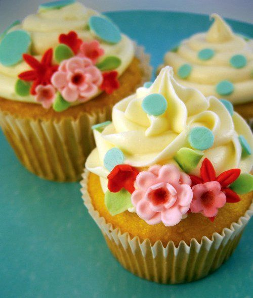 the ultimate kitschy cupcake..