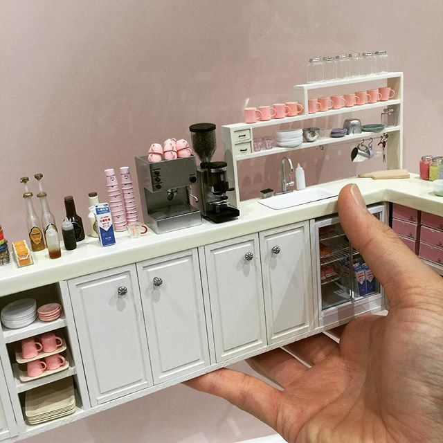 Parte de una cafetería mini♡ ♡ By Ishibashi | Tiny doll houses ...
