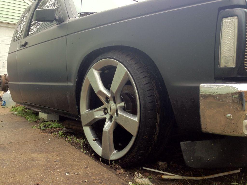 Chevy blazer with 2010 camaro wheels