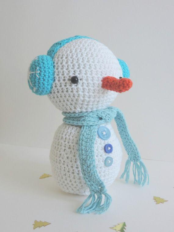 Bonhomme de neige blanc echarpe cache oreilles bleu pastel avec étoile de  neige en coton décoration 66e0d30b41d