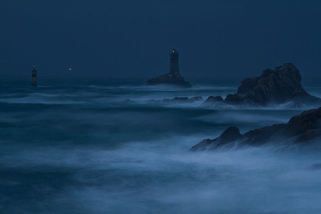 Immensi Tremor Oceani... a storm off the coast of Brittany.