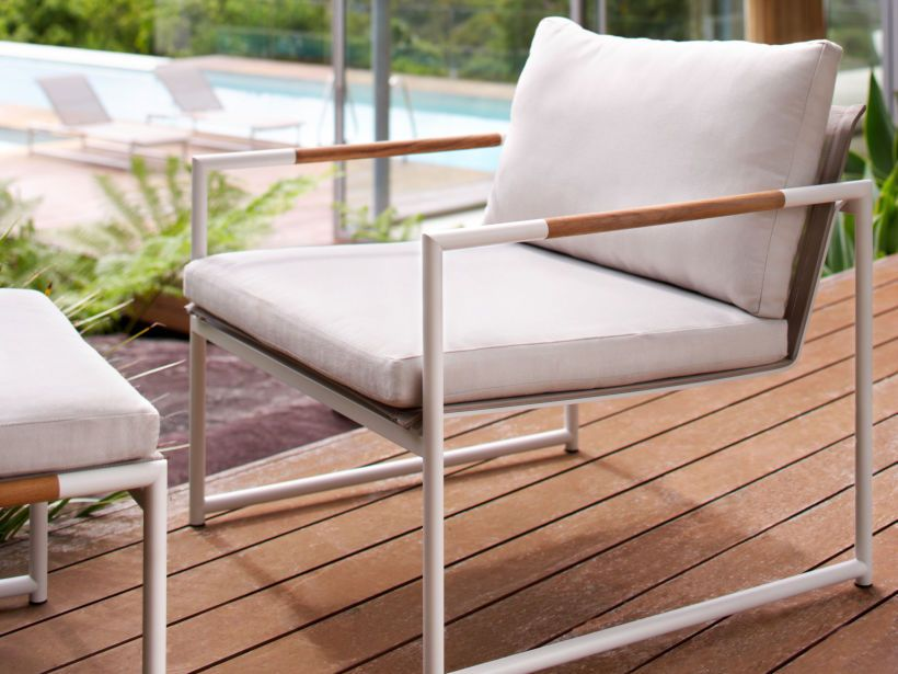 Eco Outdoor Tully lounge chair with ottoman